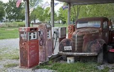 Abandoned gas station along Route 66