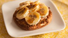 English Muffin with Bruléed Banana and Peanut Butter Recipe peanuts, english muffins, vegan breakfast, healthy snacks, bananas, breakfast snacks, brulé banana, breakfast recipes, peanut butter