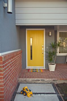 Love this #Yellow Door
