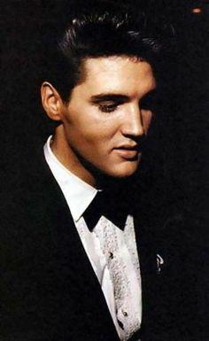 King. this man, music, peopl, elvispresley, elvi presley, men, elvis presley, handsome man, king