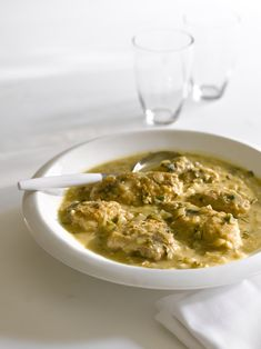 """Chicken with Tarragon and White Wine -- an exclusive recipe by Giada De Laurentiis in her new cookbook """"Weeknights with Giada."""" Hungry yet?"""