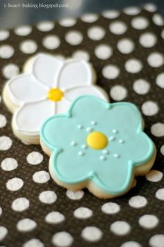 i heart baking!: flower sugar cookies with royal icing