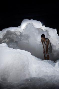Cloud Landscape foam installation by Kohei Nawa