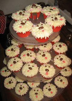 Πολλά cups cakes...