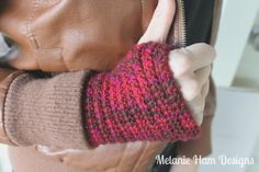 Fingerless Glove Crochet Pattern (Free)