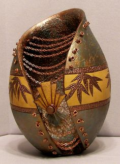 Claudia Dellos, gourd art