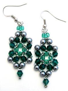 Bead Woven Be Jeweled Emerald Earrings Free Pattern.   #seed #bead #tutorial
