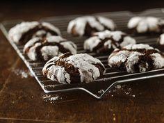 christmas cookies! chocol crinkl, bisquick, holiday parties, free chocol, chocolate cookies, baking, gluten free recipes, gluten free cookies, christma