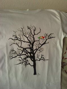 Camiseta pintada a mano ( sin plantilla)