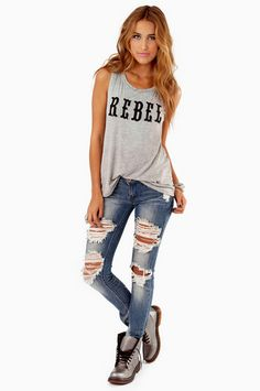 rebel graphic tee. Don't like the shoes with the outfit, otherwise I like everything else❤