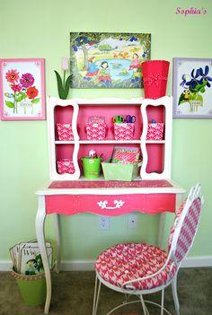 What a gorgeous desk!