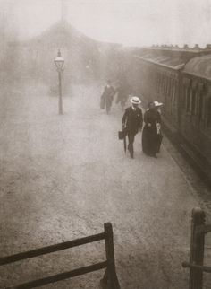 turnofthecentury:    liquidnight:    Harold Cazneaux  Bound East, 1910  From Harold Cazneaux - The Quiet Observer