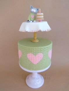 Kitten in a Jumper on a Table on a Cake!!