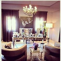 khloe kardashian office decor - wow purple never thought of purple!