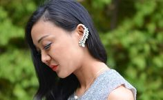 How to Make An Embellished Ear Cuff ==> http://www.craftdiyideas.com/how-to-make-an-embellished-ear-cuff/