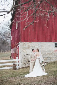 Photography: Joanna Day Photography - www.joannadayphotography.com  Read More: http://www.stylemepretty.com/2014/06/25/bohemien-inspired-barn-wedding/