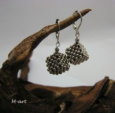 Right Angle weave square Earrings tutorial
