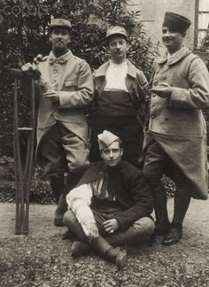 World War I. French wounded soldiers in convalescence (France). Ca. 1916.