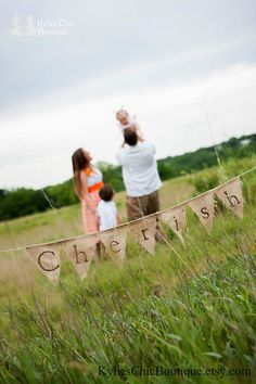 burlap sign for fall family pictures