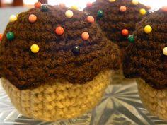 Cupcake Pincushions. $3.50 #cupcake #pincushion #needle #craft #etsy #crochet #sprinkles
