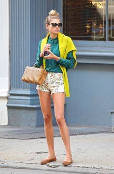 short, fashion outfits, street style, buttons, spring outfits, shades of green, bright colors, bags, spring style