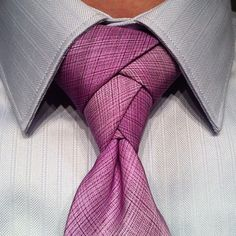The Eldredge knot. Like a boss!  I want to learn how to tie this just in case I ever have need to tie a tie.