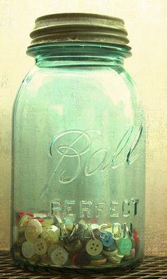 small crafts, blue mason jars, ball jars, balls, vintage buttons, button collect, button jar, blues, antiques