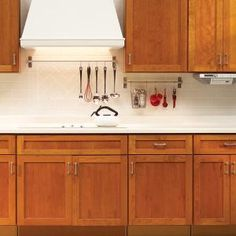 9 ideas to help you keep your kitchen counters neat and organized. #kitchen #organization