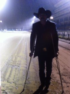 Skeet as Chip on the track at Churchill Downs