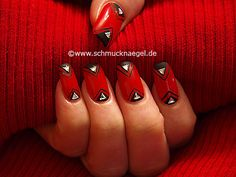 Nail art motivo 352 - Decoración de uñas con piedras strass triangulares - http://www.schmucknaegel.de/