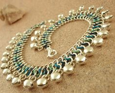 chainmail diy, bead, diy tutorial, jingle bells, chain maill, anklets, jewelry making tutorials, accessories, blues