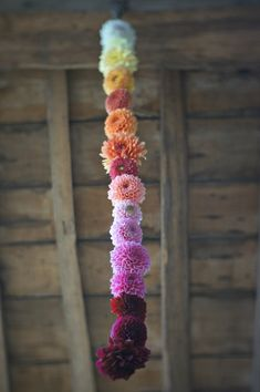 unique dahlia garland.