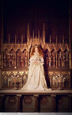 The Virgin Queen - Viona