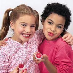 homemade lip gloss for little girls!  http://familyfun.go.com/spring/spring-crafts/all-spring-crafts/lickety-split-lip-gloss-663457/