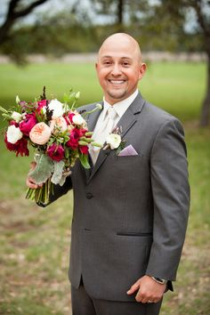 How adorable is this photo! #weddingphotos {Addison Studios}