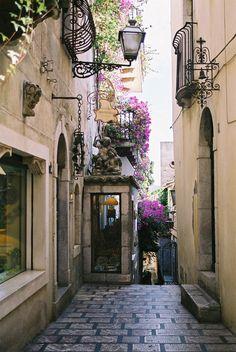 Narrow Street, Taormina, Italy  photo via carrie
