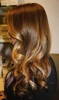 d6f9e7ce2626b2deae9e51078d7c2def.jpg 192×325 pixels big curls, hair colors, the wave, blondes, blonde highlights, healthy hair, hairstyl, soft curls, caramel