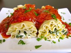 Spinach Lasagna Rolls (I made these - added sauteed mushrooms - was delish!)