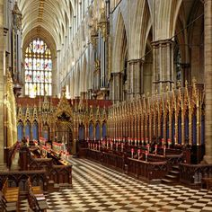 Westminster Abbey: Nothing is more glorious than sitting with the choir for Evensong! Arrive early if you want a choir seat.