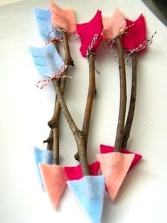 Valentine Twig Arrows - 36 Romantic Valentine DIY and Crafts Ideas