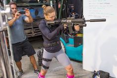 Ronda Rousey working stunts on Expendables 3
