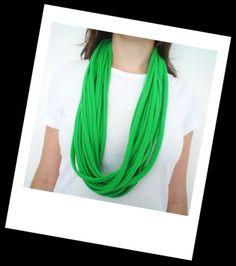 Gola de fios / Cachecol - Verde.  R$20,00