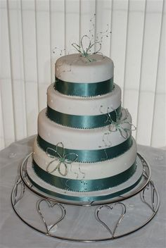 Image detail for -Exclusive Wedding Cakes :: Crystal Flowers 4 Tier Wedding Cake 2