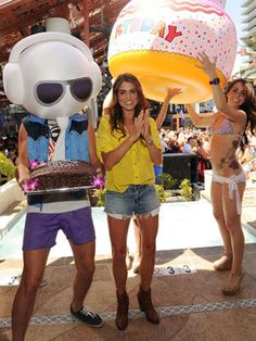 Nikki Reed celebrating her 24th birthday at the Marquee Dayclub! She looks adorable in distressed cutoffs and a bright yellow blouse!