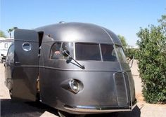 Four-Links – Charlie's Angels van, homebuilt Deora replica, mystery motorhome, overseas car brochures