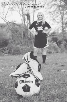 Girl senior soccer pictures