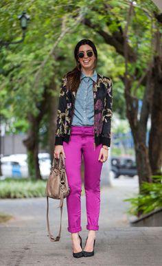 Jaqueta Alfreda + Calça Carina Farfalla (SHOP ONLINE!) + Camisa jeans Joulik + Scarpin Schutz + Bolsa Balenciaga + Óculos Ray Ban