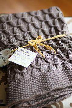 Ravelry: Sugarplums Blanket pattern by Danielle Chalson