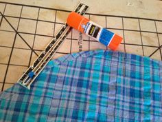 flat felled seam on sleeve's cap, using a glue stick... Annette is a genius :)