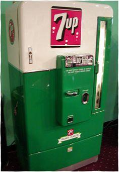 Vintage 7up machine